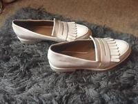 River island white shoes size 5