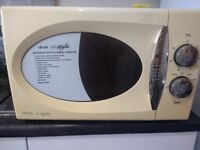 ---------- SOLD -------800W Microwave, 100% working, hardly used, collection from Patchway