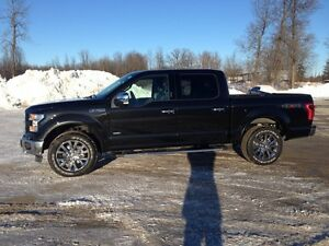 2015 Ford F-150 Lariat only 5300 km , new condition