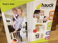 Hauck stair/safety gate