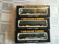 Graham Farish 374-076A / 373-051A / 374 151 Green Carriage (3 Carriages) (N-Gauge)