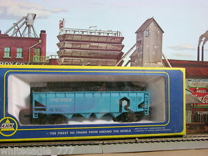 AHM-ROCK-ISLAND-4-BAY-HOPPER-w-COAL-LOAD-133274-HO-Scale-Train-mint