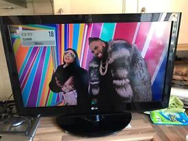 "LG LCD TV 37"" vgc"