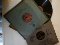 RECORDS BOX OF VINTAGE 78 RPM RECORDS FROM THE 1930s/40s/50s IN TOTAL 70+