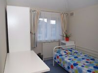 Clean and comfortable single room for house share