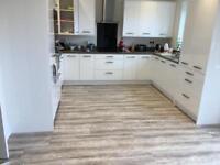 Kitchen & Floor fitters !!!