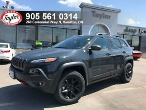 2018 Jeep Cherokee Trailhawk 4x4 V6 w/Safety Tech, Power Liftgat