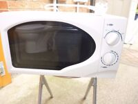 Microwave oven, white