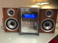 Stereo / Hi-Fi / CD Player with speakers