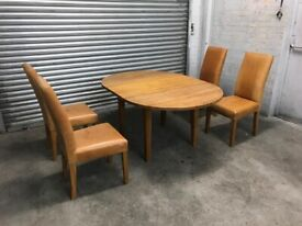 FREE DELIVERY OAK EXTENDABLE DINING TABLE & 4 CHAIRS GOOD CONDITION