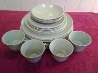 24 Piece Wood's Ware Vintage Beryl Green Table Ware In Very Good Condition