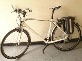 LOVELY CONDITION GIANT ESCAPE E-BIKE (REALISTIC GENUINE OFFERS ACCEPTED)