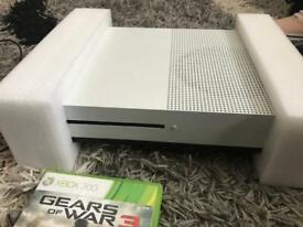 Mw2 Xbox 360/Xbox one compatible   in Shirehampton, Bristol   Gumtree