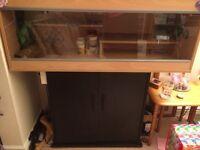 Vivarim & stand/cupboard