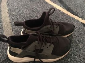 Black and grey Nike huaraches size 1