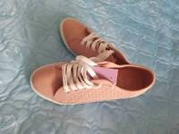 Shoes ladies plimsoles dize 6 brand new with tag