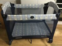 Graco travel cot - as new condition. Ready for the little one's Christmas sleep-overs