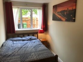2 x Double rooms to rent in Foxwood area, York. With Live in Landlord