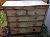 Chest of draws in need of restoration. Collection only. Feel free to come and view
