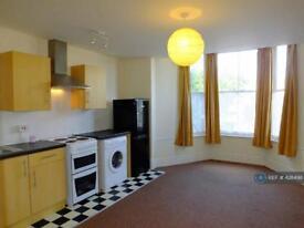 1 bedroom flat in Pendarves Road, Penzance, TR18 (1 bed)