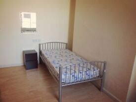 cheap as chips! spacious single room just 105pw in zone4 just mins away from stratford and liverpool