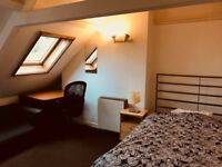 Bright big room in the city centre 560 £ all included