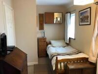 Large, single room to let, Isleworth, £135/week
