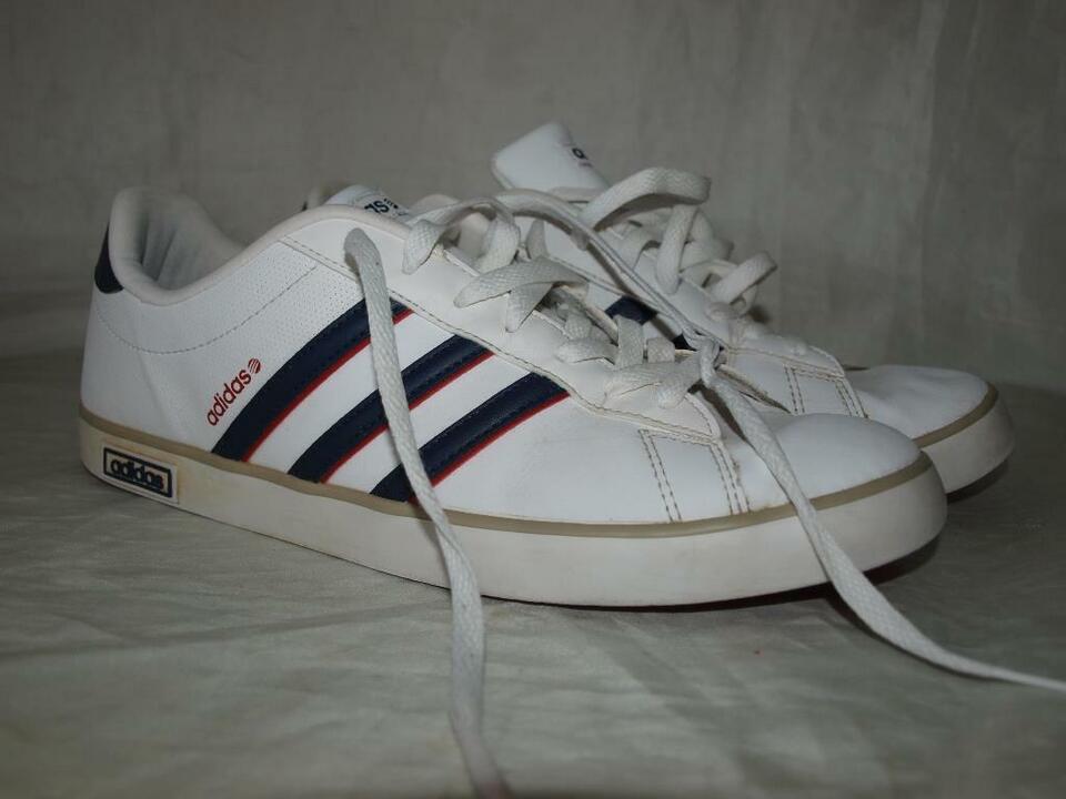 adidas NEO Label Kultschuhe Gr.46 (45) in weiß fallen kleiner aus