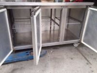 COMMERCIAL FOSTER STYLE/MANUFACTURED BENCH FRIDGE USED IN CATERING RESTAURANT CAFE PUB BAR