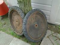 2 large Oxford allen wheels great garden display item