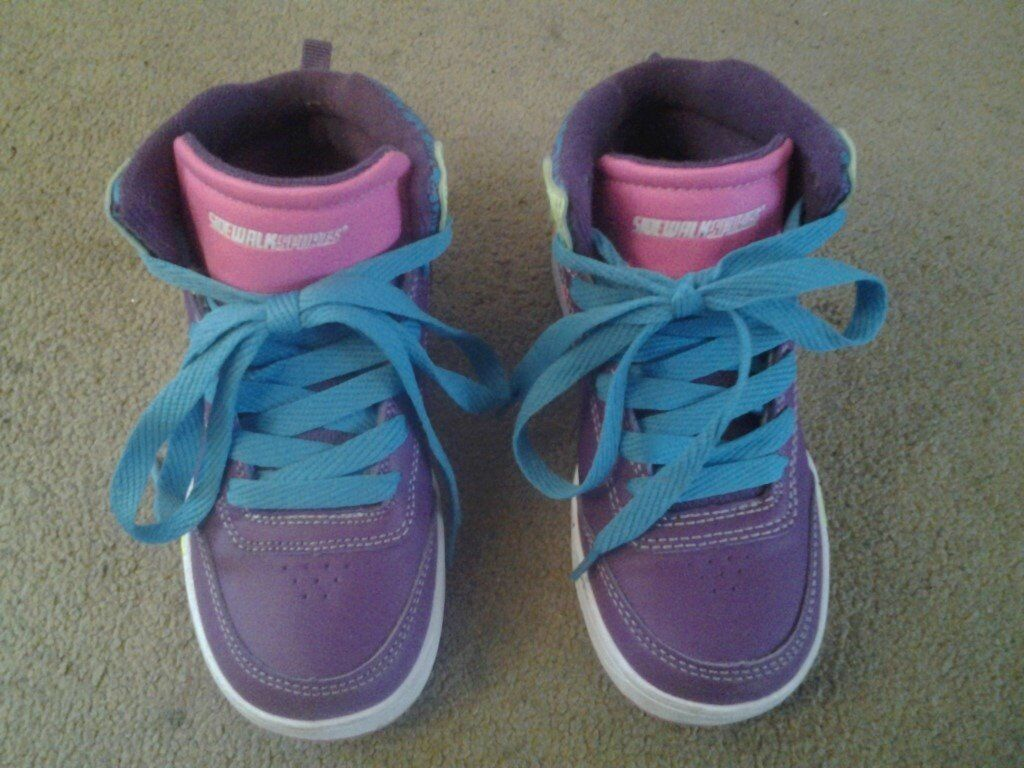 Roller Shoes by Sidewalk Sports, excellent condition, kids size 12