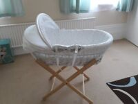 John lewis moses basket with folding stand