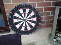 Dartboard & 4 sets of Darts