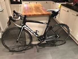 Felt Z5, full carbon road bike, 1 yr old, 11-speed (5800) 105 groupset, 56cm frame