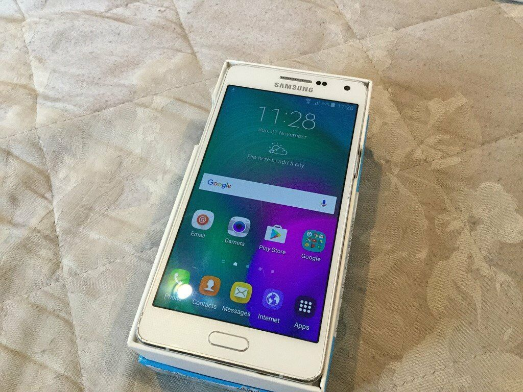 Samsung Galaxy A5 16gb, Pearl white, boxed with all the bits