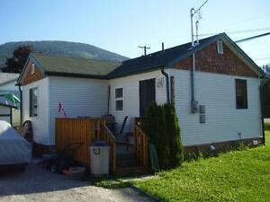 Live FREE in beautiful Creston BC - Excellent Investment...