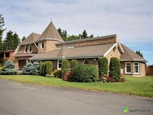 635 000$ - Maison à un étage et demi à vendre à Alma