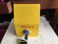 Milenco Hitchlock