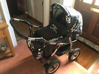 Pram w/buggy & carrycot inc change bag