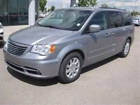 2014 Chrysler Town & Country AUTO-STOW N GO-POWER DOORS