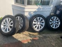 20 Inch Range Rover 4 alloys with tyres.