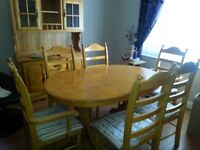 Oak dining set ext table & 6 chairs 2 carvers