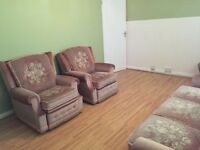 Medium Size room in Romford- Ready to move in -£400
