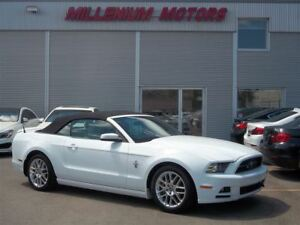 2014 Ford Mustang V6 PREMIUM CONVERTIBLE / 6-SPEED / LEATHER