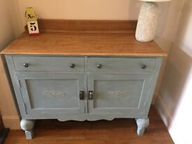 Vintage Shabby Chic Wooden Sideboard (side board with 2 drawers & 2 cupboards)