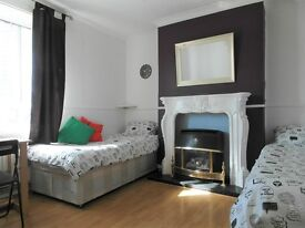 TRIPLE ROOM AVAILABLE NOW!!! ALL BILLS INCLUDED!! ONLY 85£ PW EACH!!! DON'T MISS IT!!