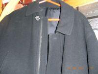XL Mens 100% Wool Overcoat in vgc