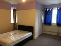 Large Double Room to rent on Eastern Avenue Near Newbury Park Station - Including all bills