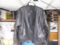 MANS BLACK LEATHER JACKET X-LARGE - TWO SIDE POCKETS ZIP/STUD FRONT EXT CONDIONION