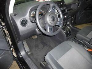 2011 Jeep Patriot north edition 4x4 Saguenay Saguenay-Lac-Saint-Jean image 8